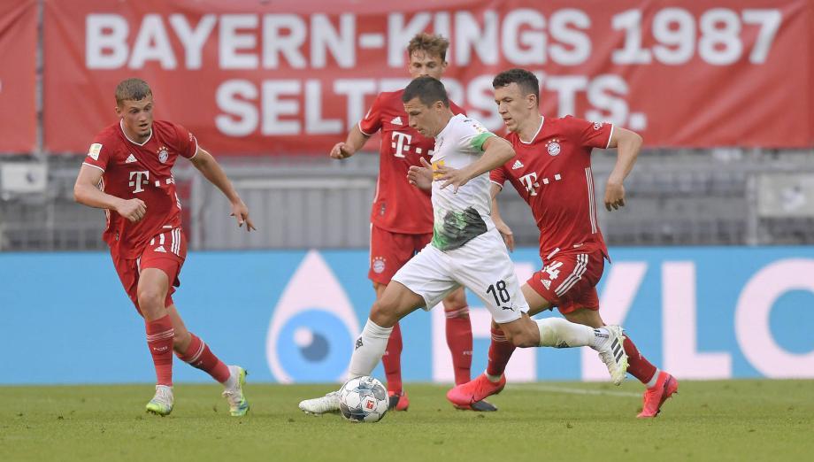 德甲-门兴门将送礼格雷茨卡绝杀 拜仁2-1即将夺冠