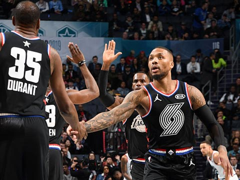 [爱看NBA]全明星正赛 詹姆斯队VS字母哥队 第四节