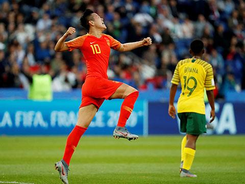 [女足世界杯]小组赛B组:南非0-1中国 比赛集锦