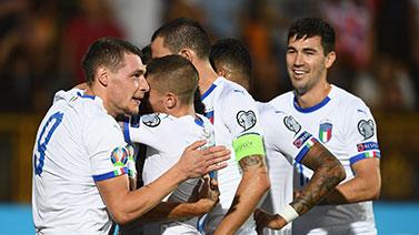 [图]欧预赛-贝洛蒂2球博努奇助攻 意大利3-1逆转