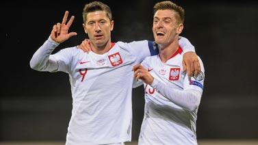 """[图]莱万上演""""帽子戏法"""" 波兰3-0胜拉脱维亚"""