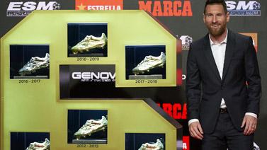 [图]梅西领取上赛季金靴奖 6度加冕成史上第一人