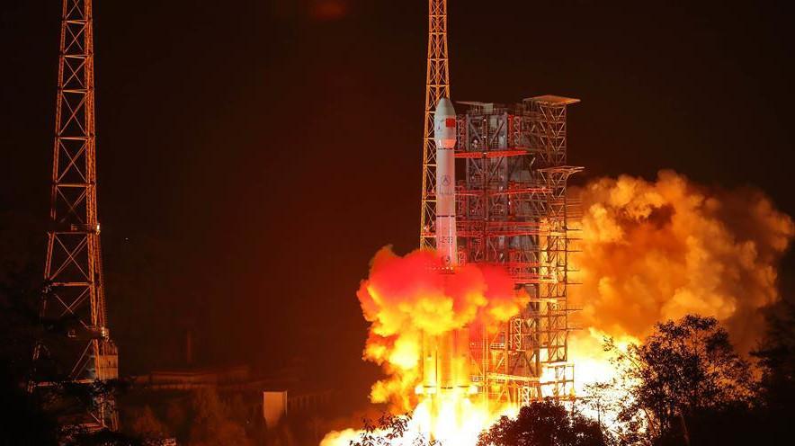2018年12月8日2时23分,我国在西昌卫星发射中心用长征三号乙运载火箭成功发射嫦娥四号探测器,开启了月球探测的新旅程