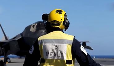 《今日关注》 20210629 英军航母出动F-35战机飞越俄舰 俄新潜艇威胁美国本土?