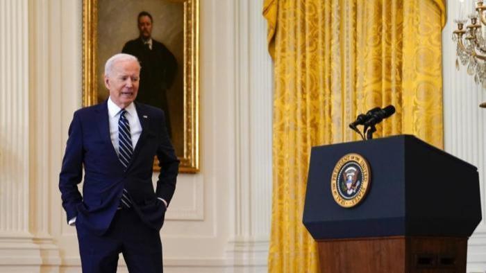 民调:美国总统拜登支持率跌至44% 创任内新低
