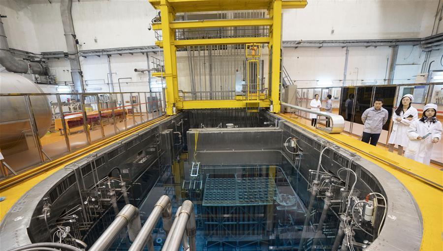在中核集团中国原子能科学研究院,媒体记者参观中国先进研究堆