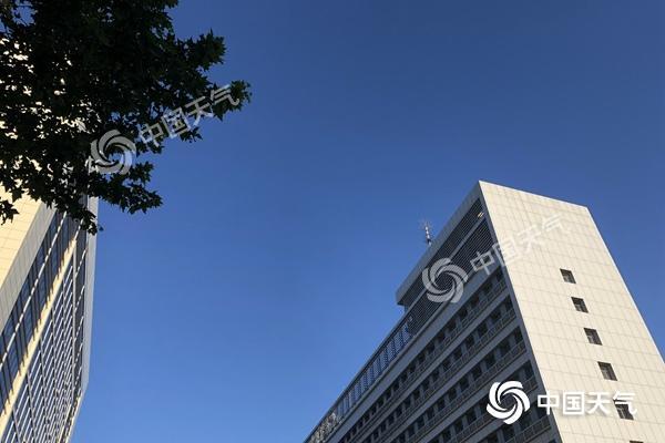 北京今天晴晒阵风6级 烧烤模式将开启周四或现高温