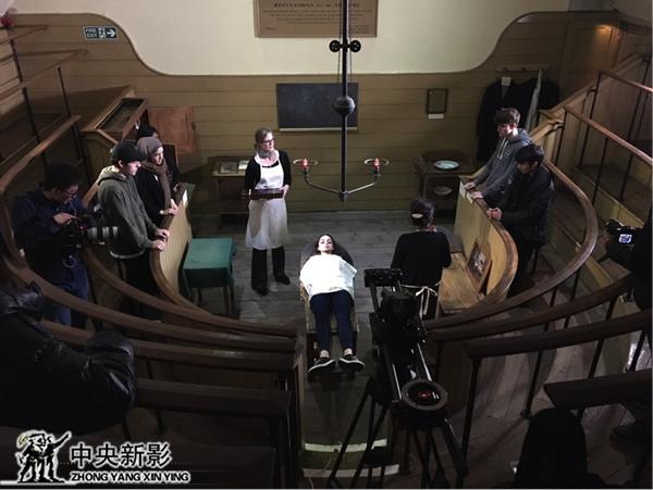19世紀英國老手術室,舞臺表演式情景