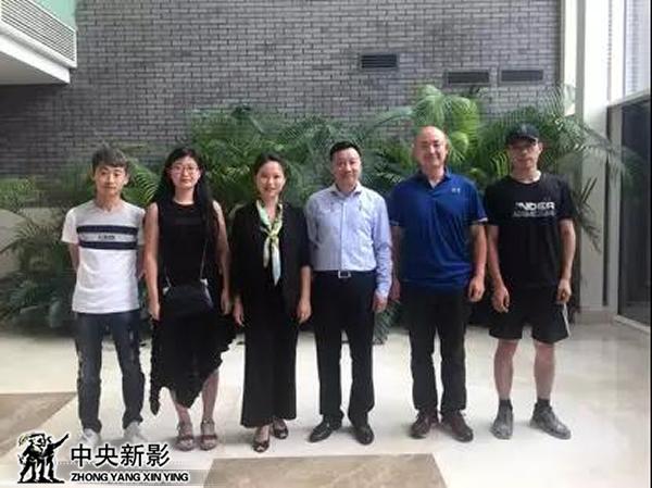 摄制组与北京协和医院麻醉学教授黄宇光