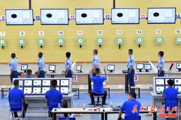 8月24日,第七届世界军人运动会空军五项测试赛在空军预警学院举行。记者喻志勇 摄