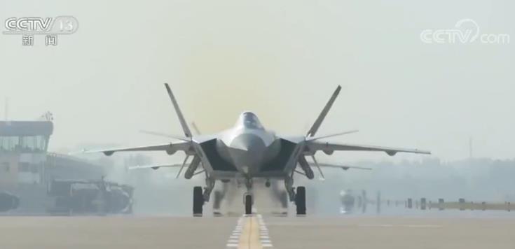 人民空军成立70周年|新型武器装备 加速空军战略转型