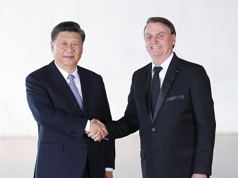 当地时间11月13日,国家主席习近平在巴西利亚同巴西总统博索纳罗会谈。
