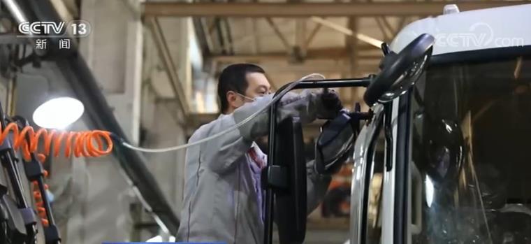 我国汽车产销连续8个月增长 11月份再创新高