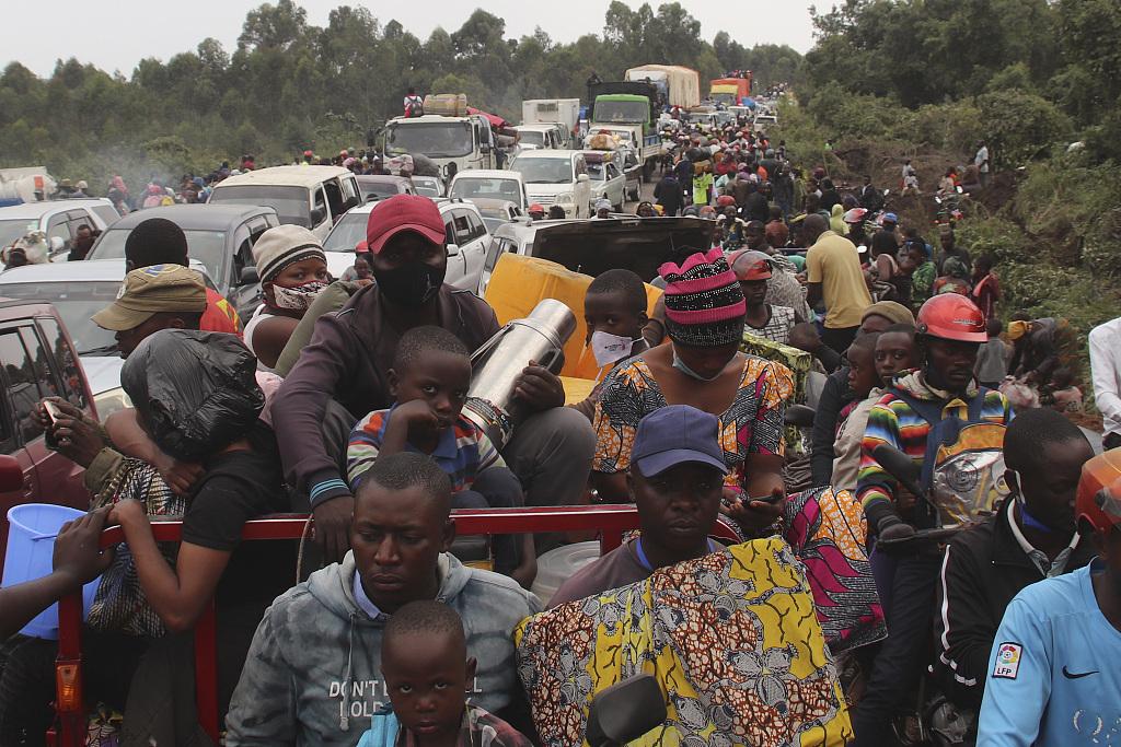 刚果(金)火山恐再次爆发 40万人大撤离:带着床垫徒步走插图