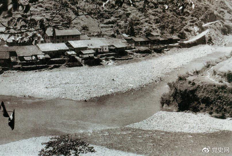 1935年6月26日,中共中央政治局在四川懋功两河口召开会议。会议决定红军北上创造川陕甘根据地。图为两河口。