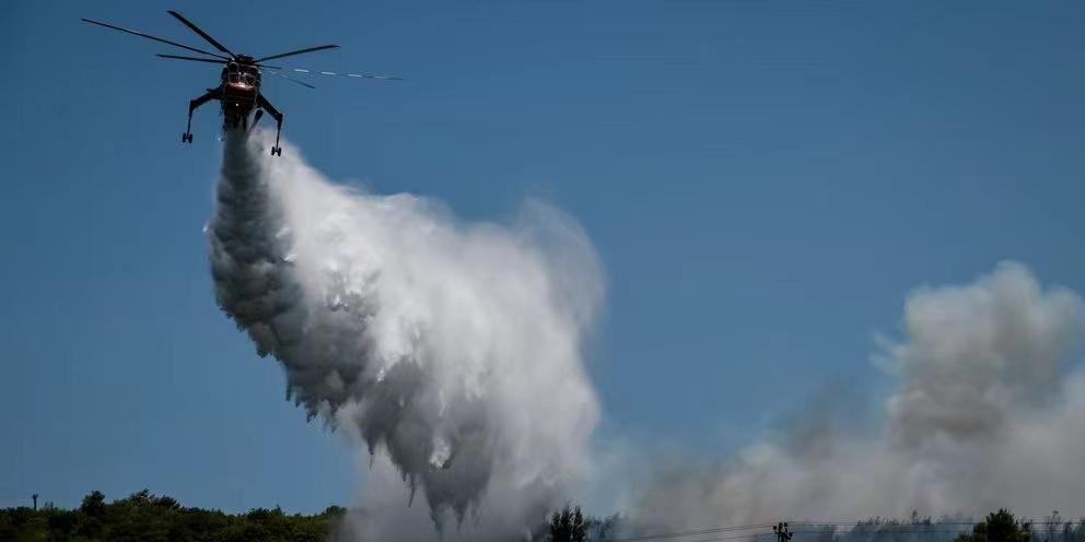 希腊政府发紧急通报 消防团队正应对51场山林大火插图(1)