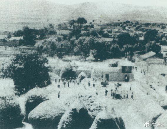 甘肅通渭縣榜羅鎮。1935年9月27日,中共中央政治局在這里決定將紅軍長征的落腳點放在陜北。