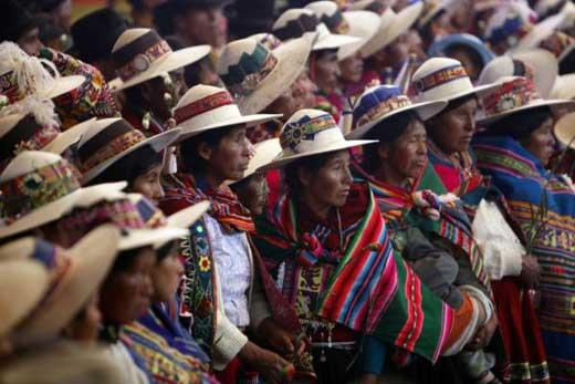 About 350 S In Bolivia Have Been Married According To Indian Customs And Traditions A Colorful Andean M Wedding On Saay